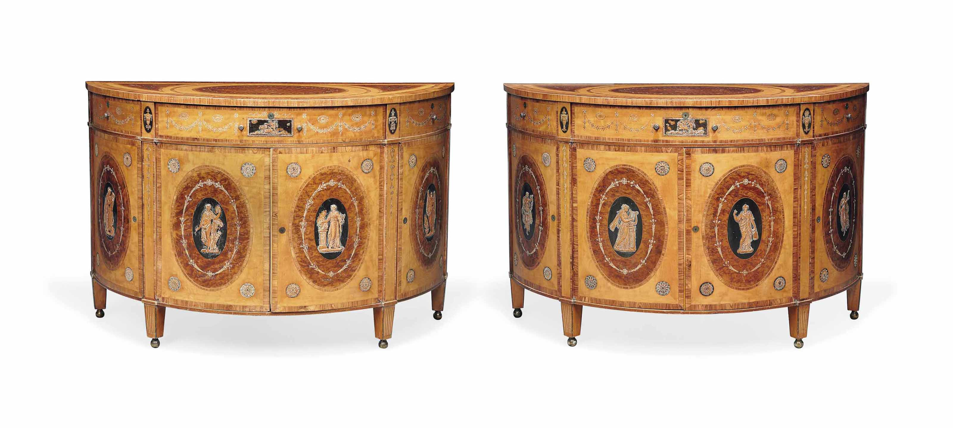 A PAIR OF LATE VICTORIAN THUYA