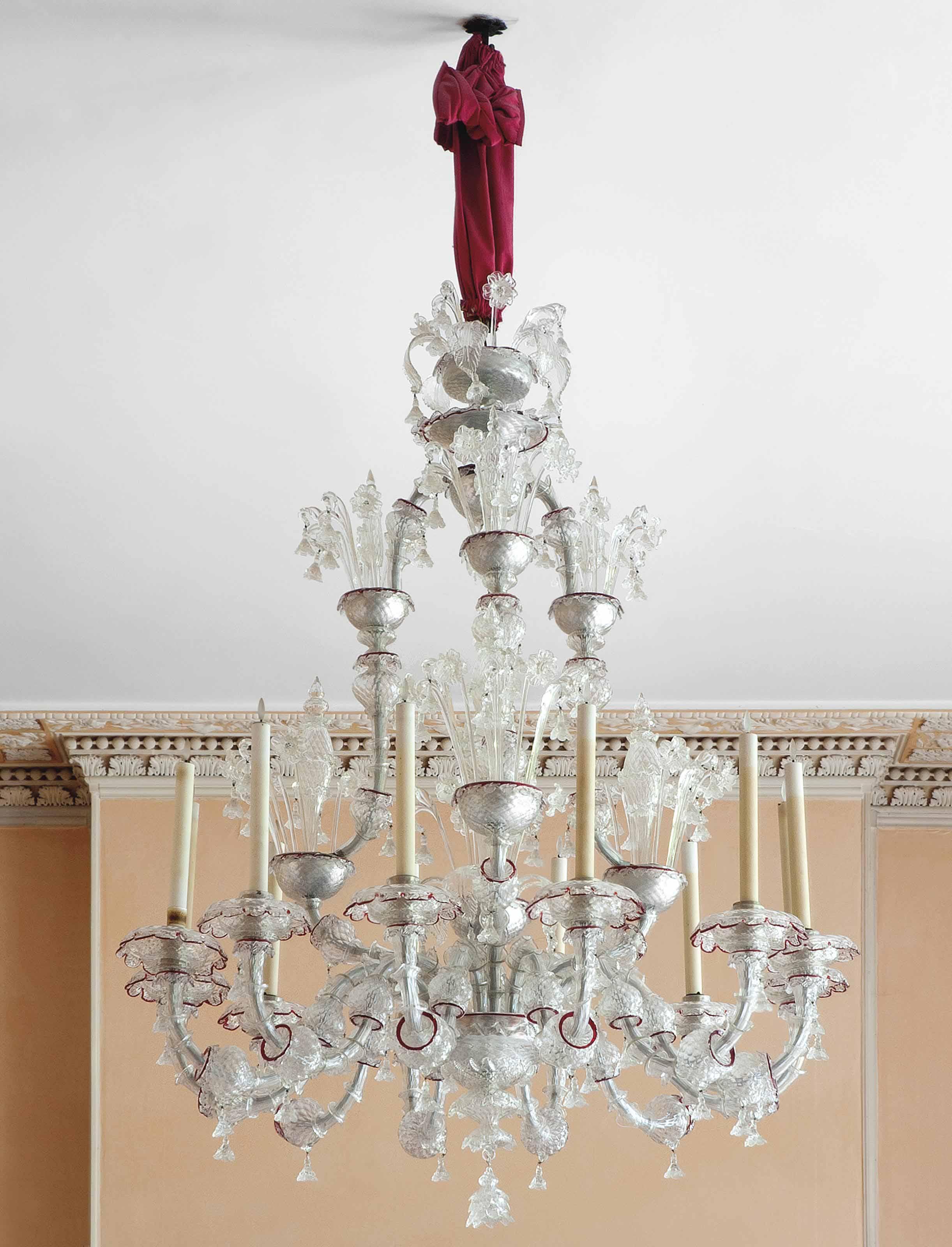 A VENETIAN MURANO GLASS TWELVE-LIGHT CHANDELIER