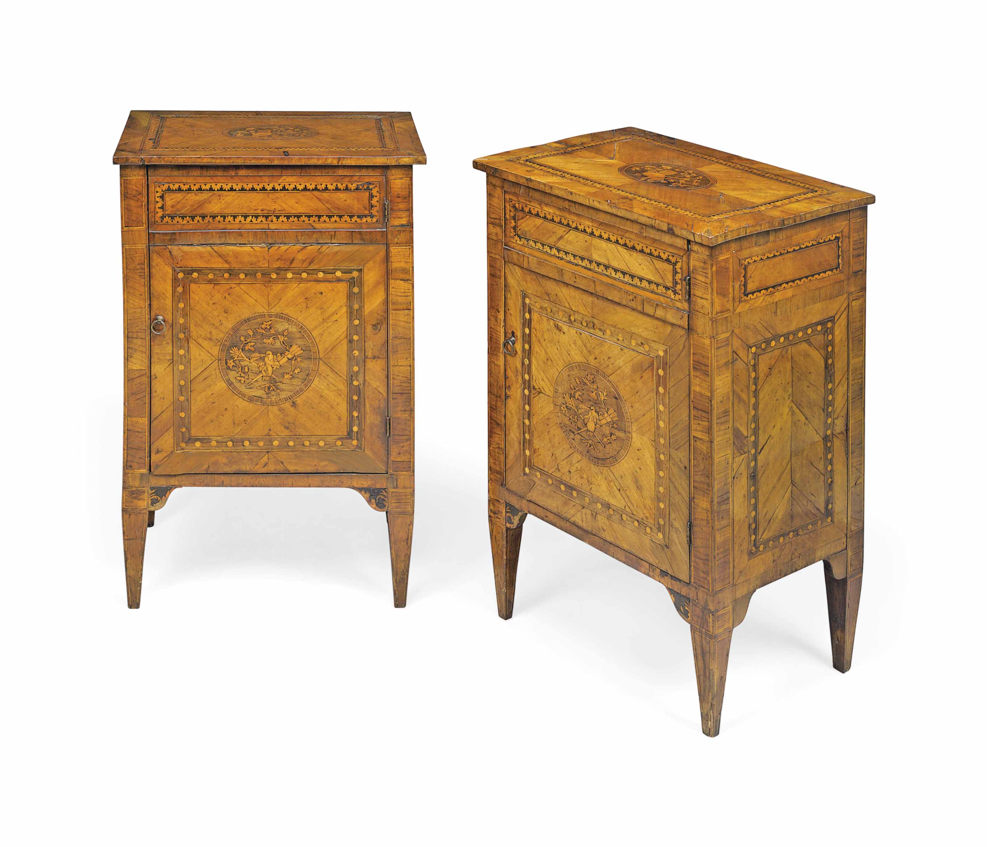 A PAIR OF NORTH ITALIAN WALNUT AND MARQUETRY COMODINI
