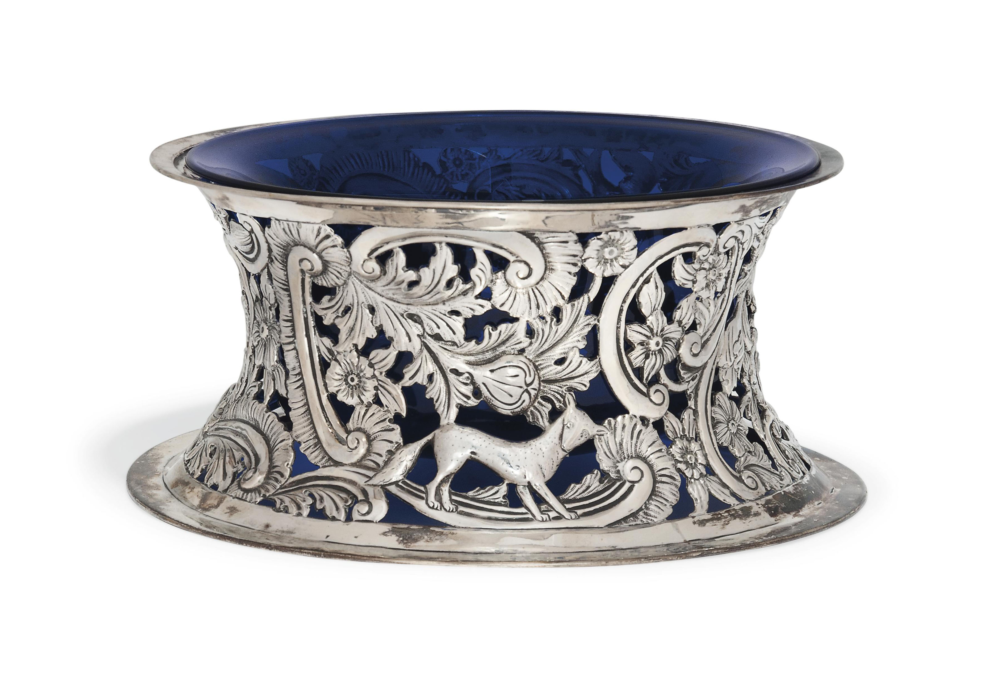 A LATE VICTORIAN SILVER DISH-RING IN THE 18TH CENTURY IRISH STYLE