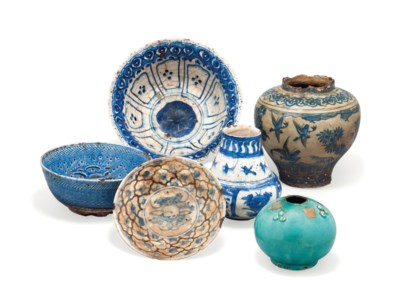 SIX SAFAVID BLUE-GLAZED POTTER