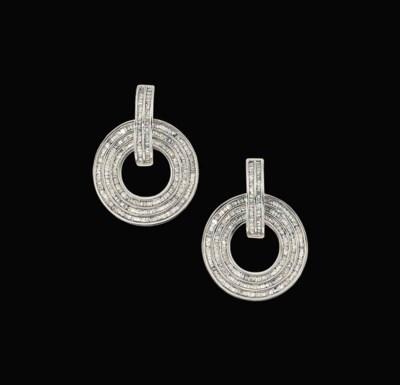 A pair of diamond-set earpende