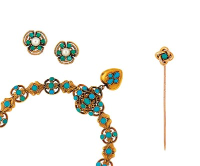 A small group of turquoise-set