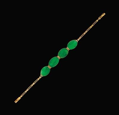A jadeite jade bracelet