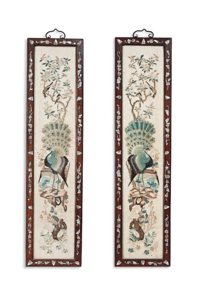 A PAIR OF CHINESE EMBROIDERED