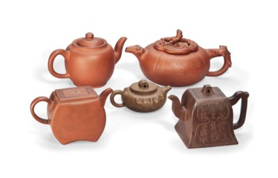 FIVE CHINESE YIXING TEAPOTS