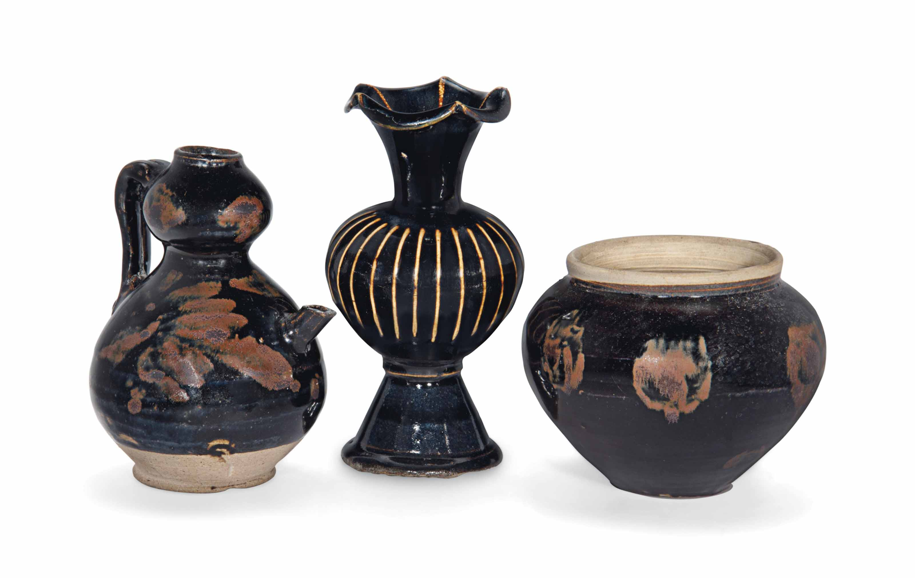 THREE CHINESE JIZHOU WARES