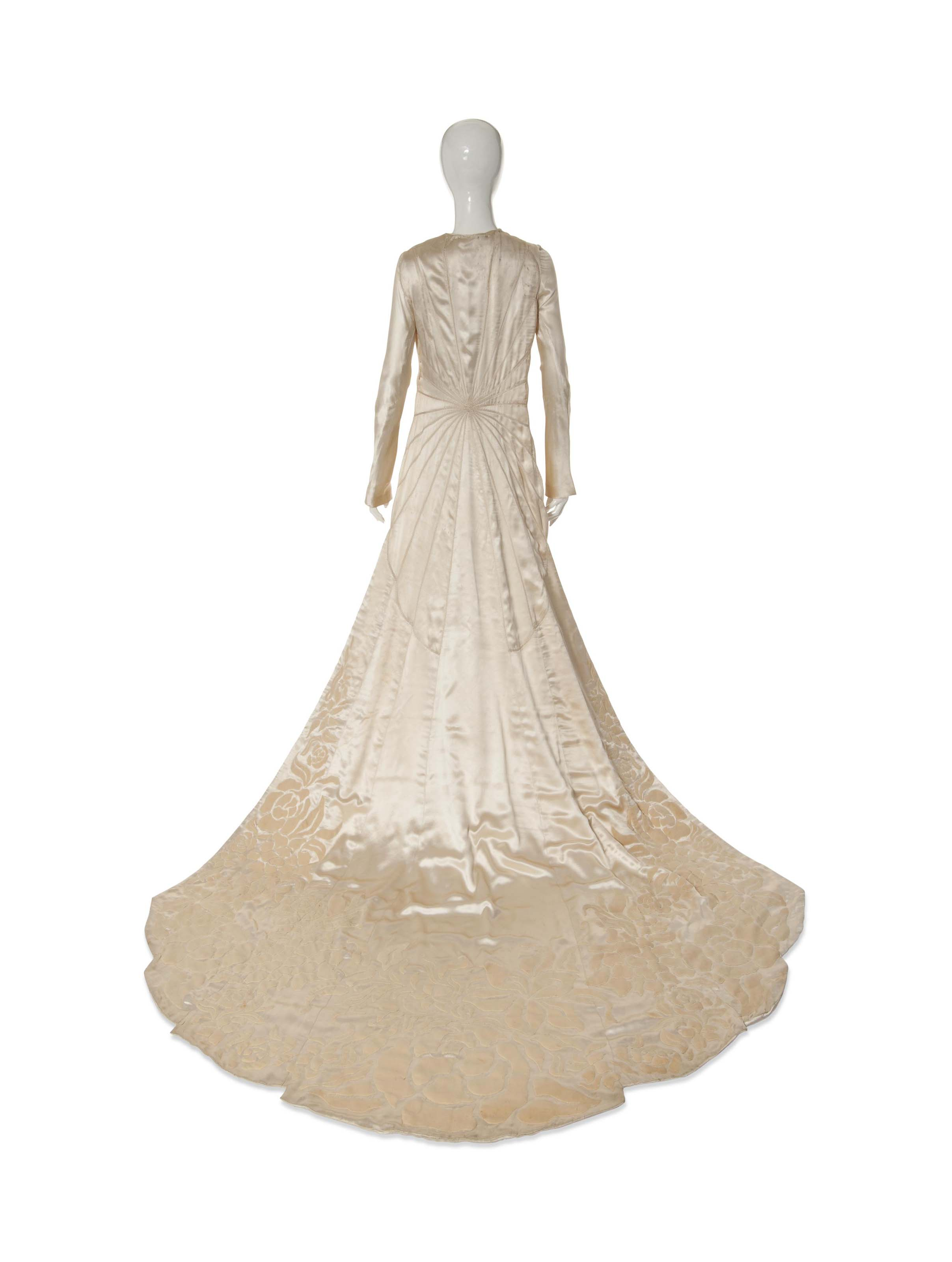 1930/'s Wedding Gown with Long Train