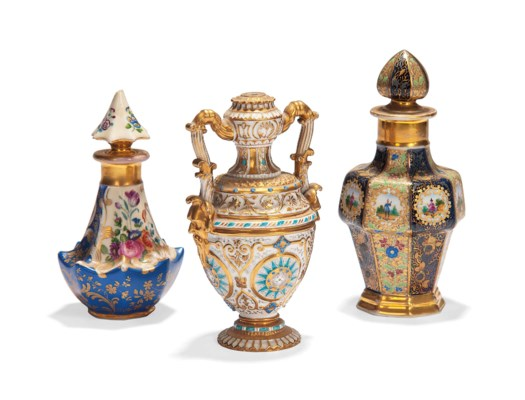 A RUSSIAN PORCELAIN VASE AND T