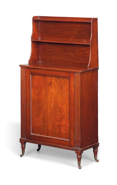 A GEORGE IV MAHOGANY SIDE CABI