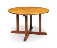 A CIRCULAR OAK TABLE DESIGNED BY SIDNEY BARNSLEY (1865-1926) AND PROBABLY MADE BY EDWARD BARNSLEY (1900-1987)