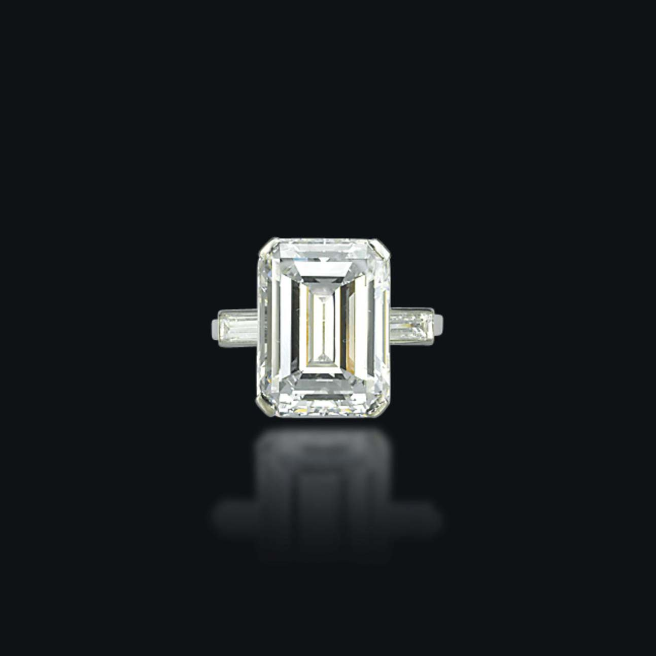 A DIAMOND RING, BY BOUCHERON