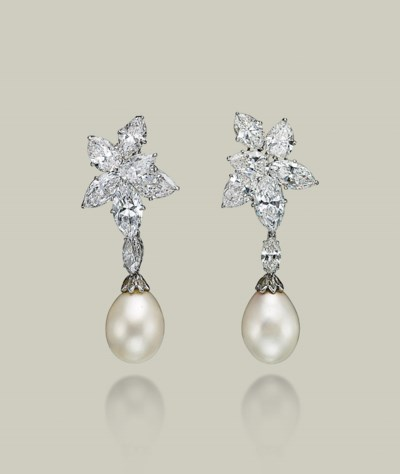 A PAIR OF DIAMOND EAR CLIPS, B