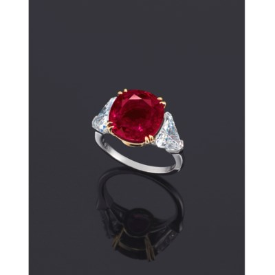 A RARE RUBY AND DIAMOND RING,