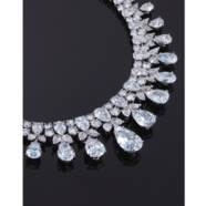 A MAGNIFICENT DIAMOND NECKLACE