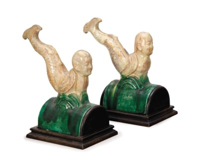 A PAIR OF CHINESE GLAZED TERRA