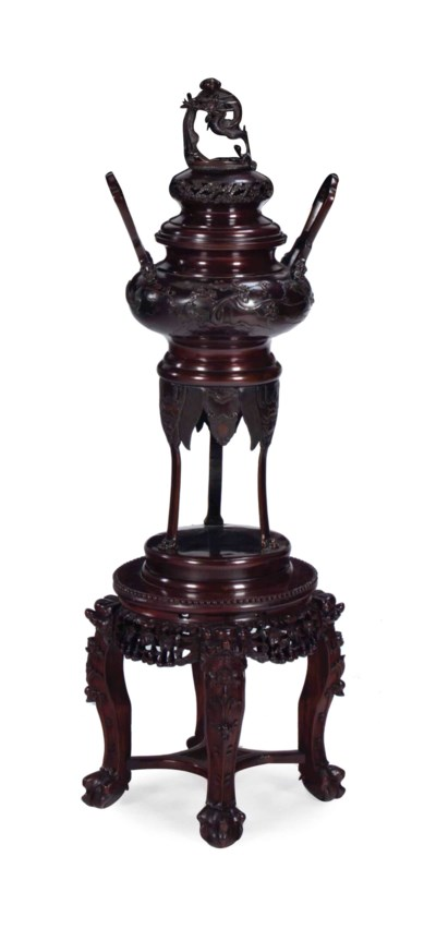 A LARGE JAPANESE BRONZE CENSER