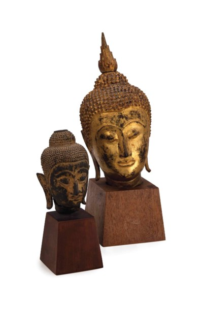 A LARGE AND A SMALLER THAI HEA