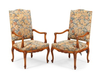 A PAIR OF REGENCE STYLE STAINE
