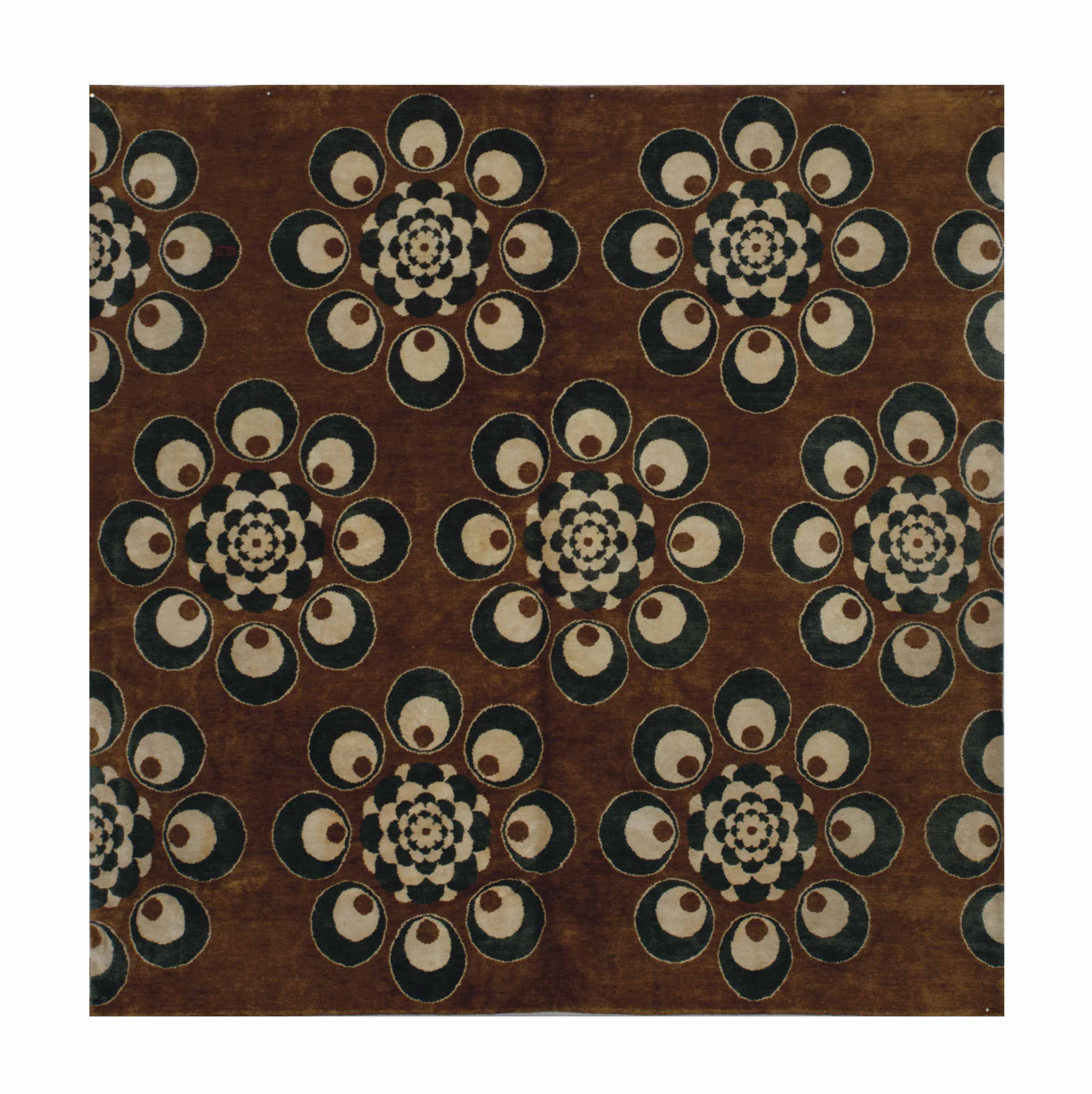 A OTTOMAN-INSPIRED CARPET,