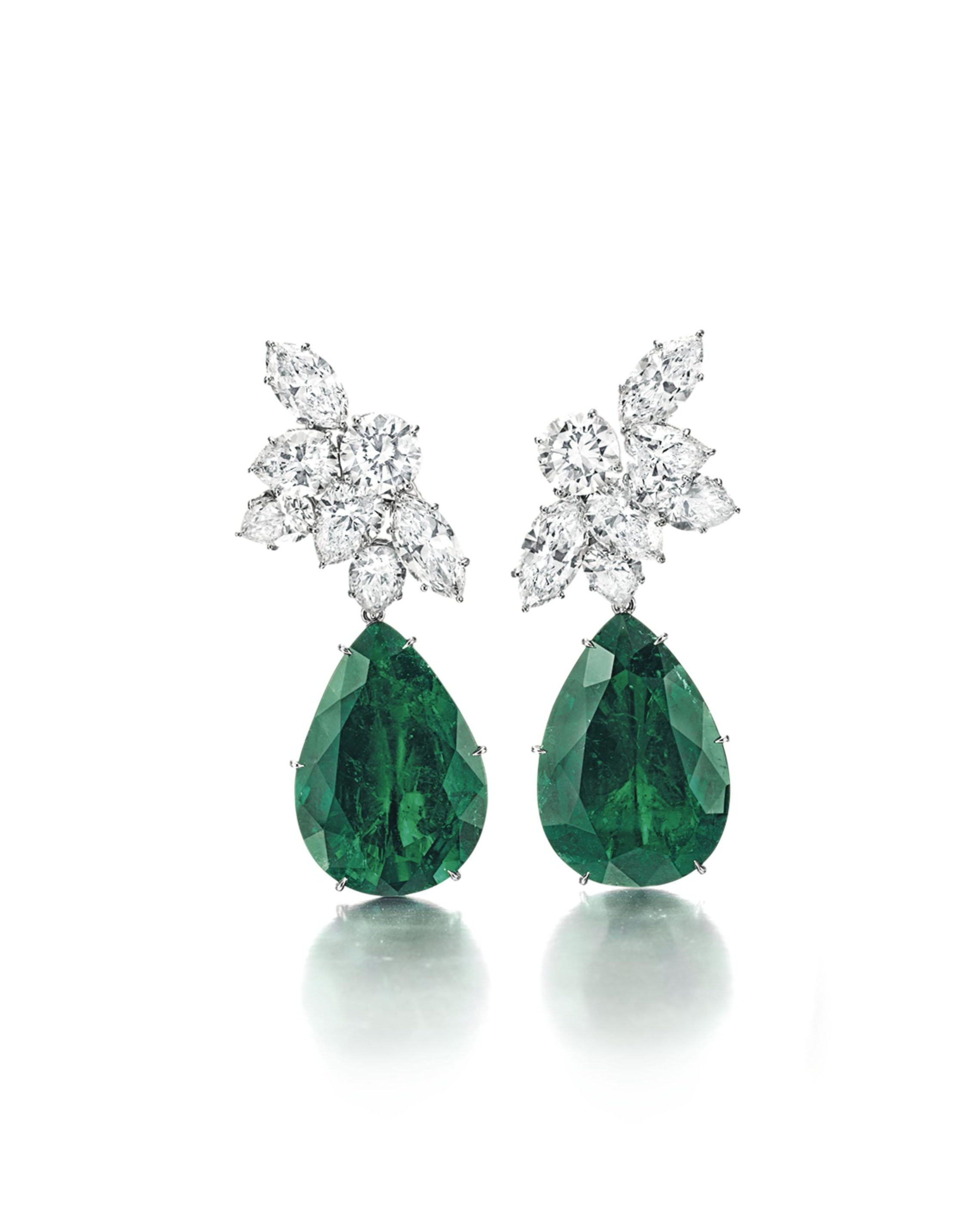 A PAIR OF DIAMOND AND EMERALD EAR PENDANTS