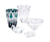 A GROUP OF GLASSWARES,
