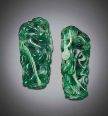 A MOTTLED EMERALD-GREEN JADEIT