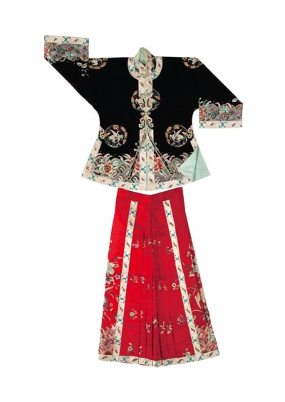 A CHINESE EMBROIDERED BLACK SI