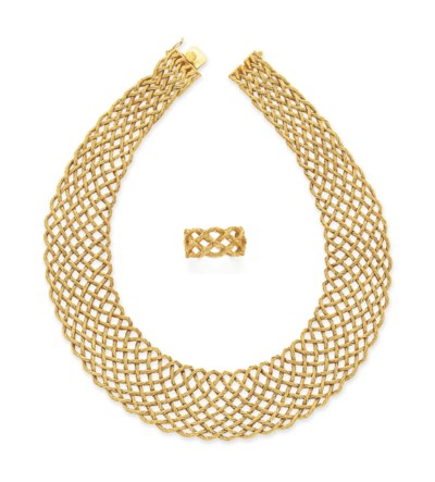 A SET OF GOLD JEWELRY, BY BUCC