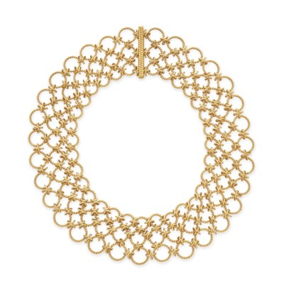 A GOLD NECKLACE, BY VERDURA