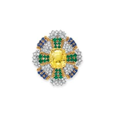A DIAMOND, YELLOW SAPPHIRE, EM