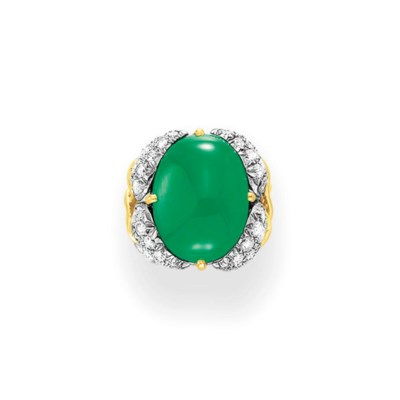 A JADE AND DIAMOND RING, BY JE