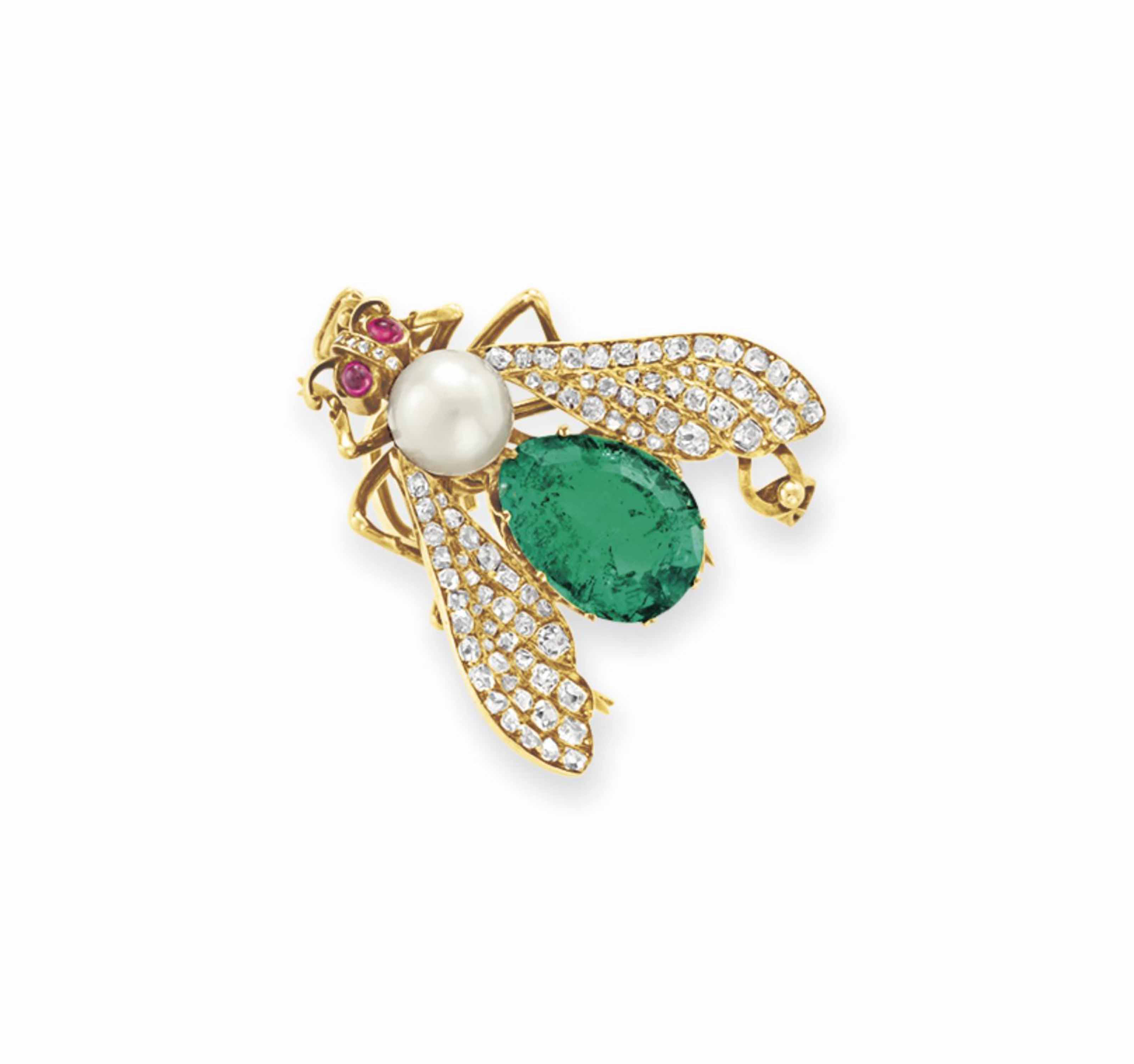AN ANTIQUE PEARL, EMERALD AND