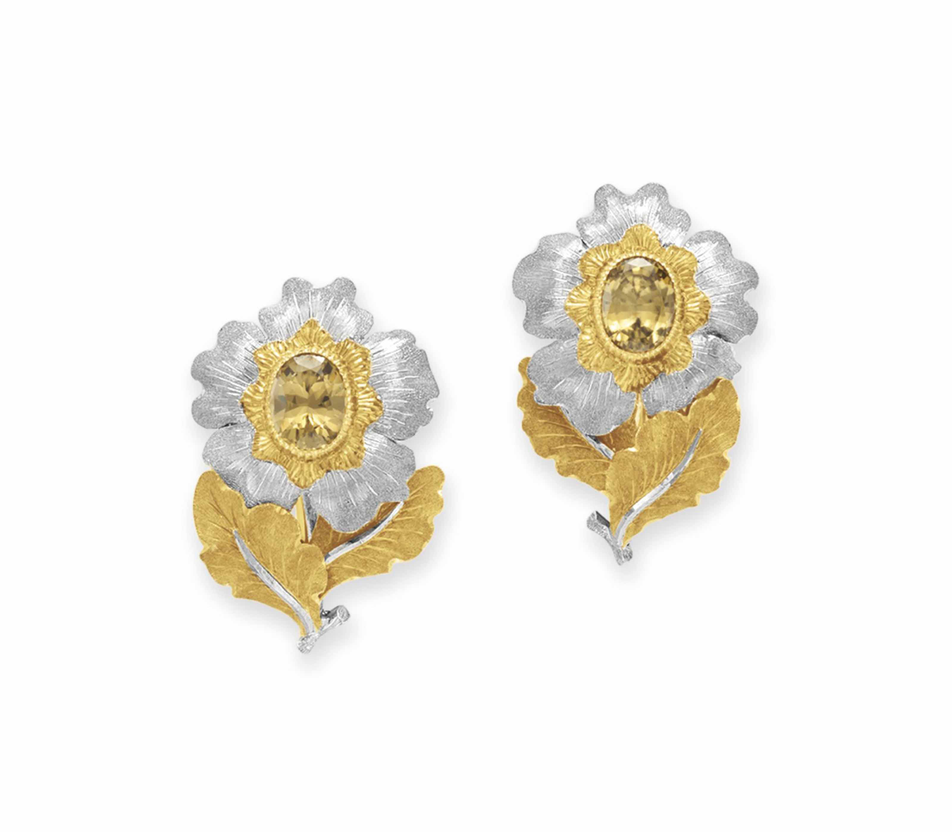 A PAIR OF TOPAZ AND GOLD FLOWE