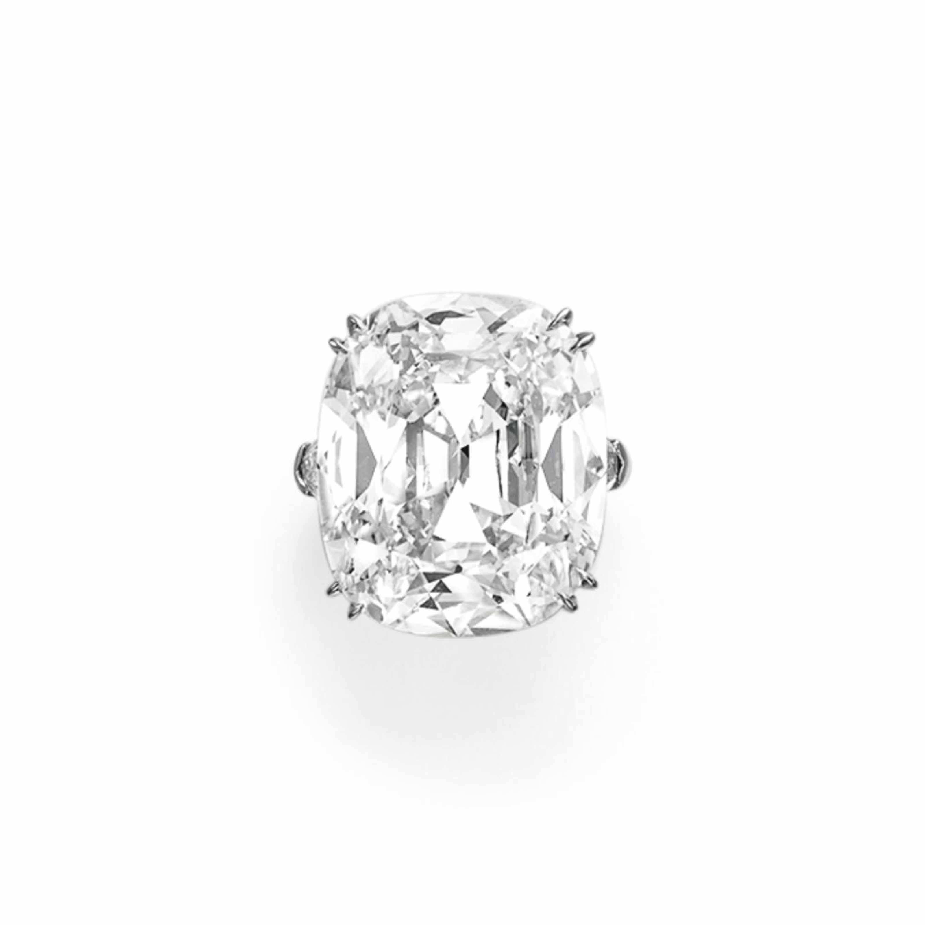 A MAGNIFICENT DIAMOND RING, BY LEVIEV