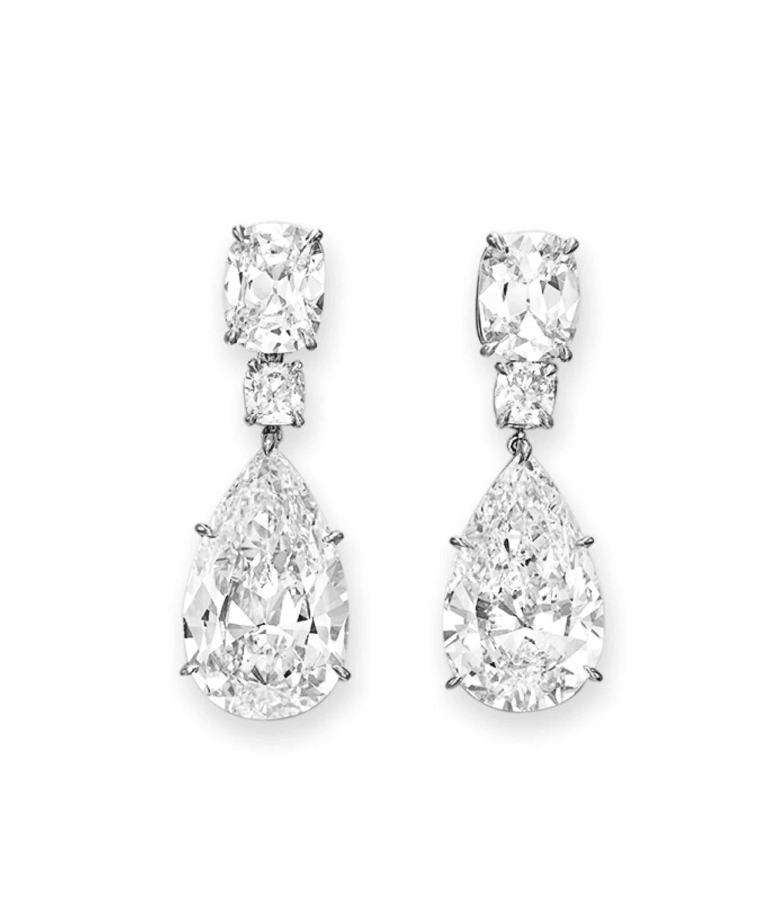 A PAIR OF IMPORTANT DIAMOND EAR PENDANTS, BY LEVIEV