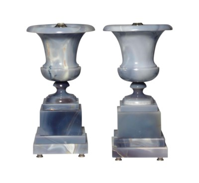 A PAIR OF BLUE-GREY AGATE LAMP