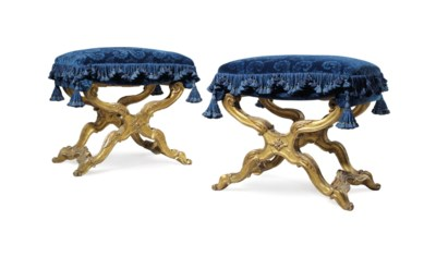 A PAIR OF ITALIAN GILTWOOD X-F