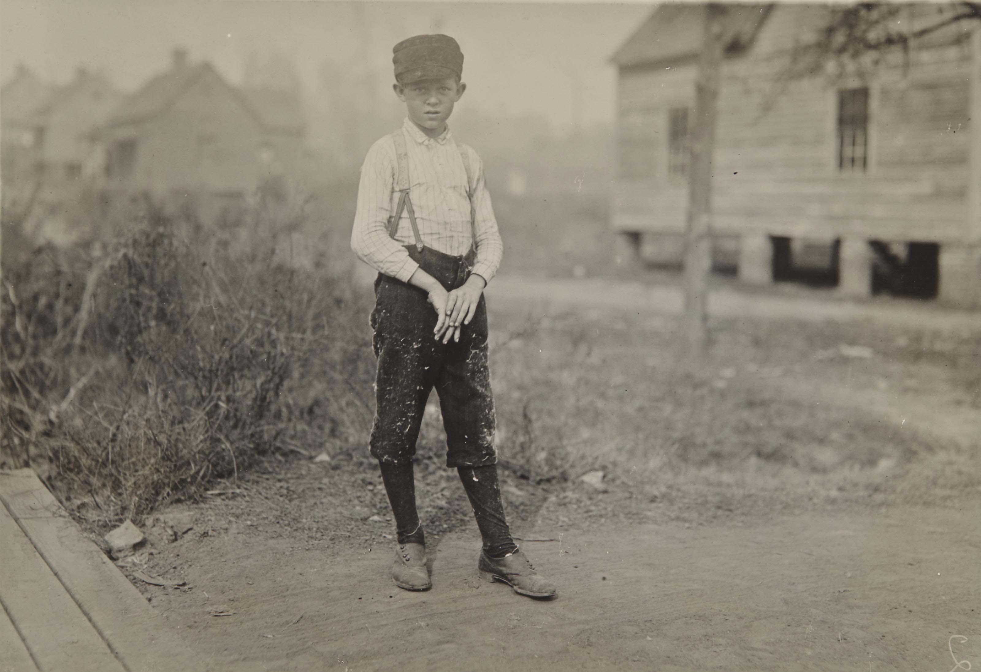 Doffer boy, vers 1912