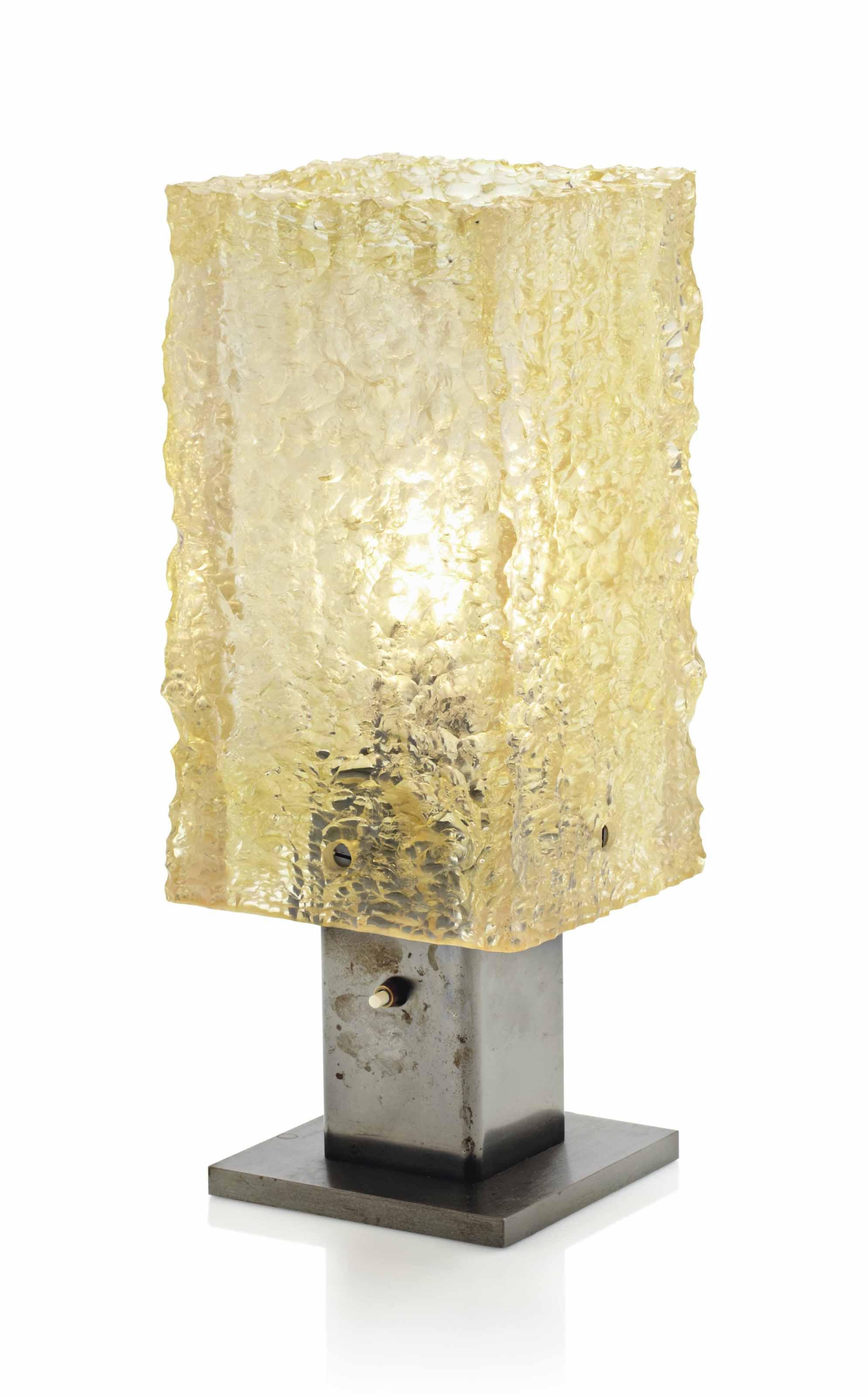 serge mouille 1922 1988 lampe de table 39 dallux 39 distribu e par sinma le mod le cr en. Black Bedroom Furniture Sets. Home Design Ideas