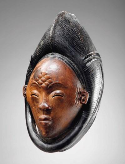 Masque Punu Okuyi Punu Mask, O