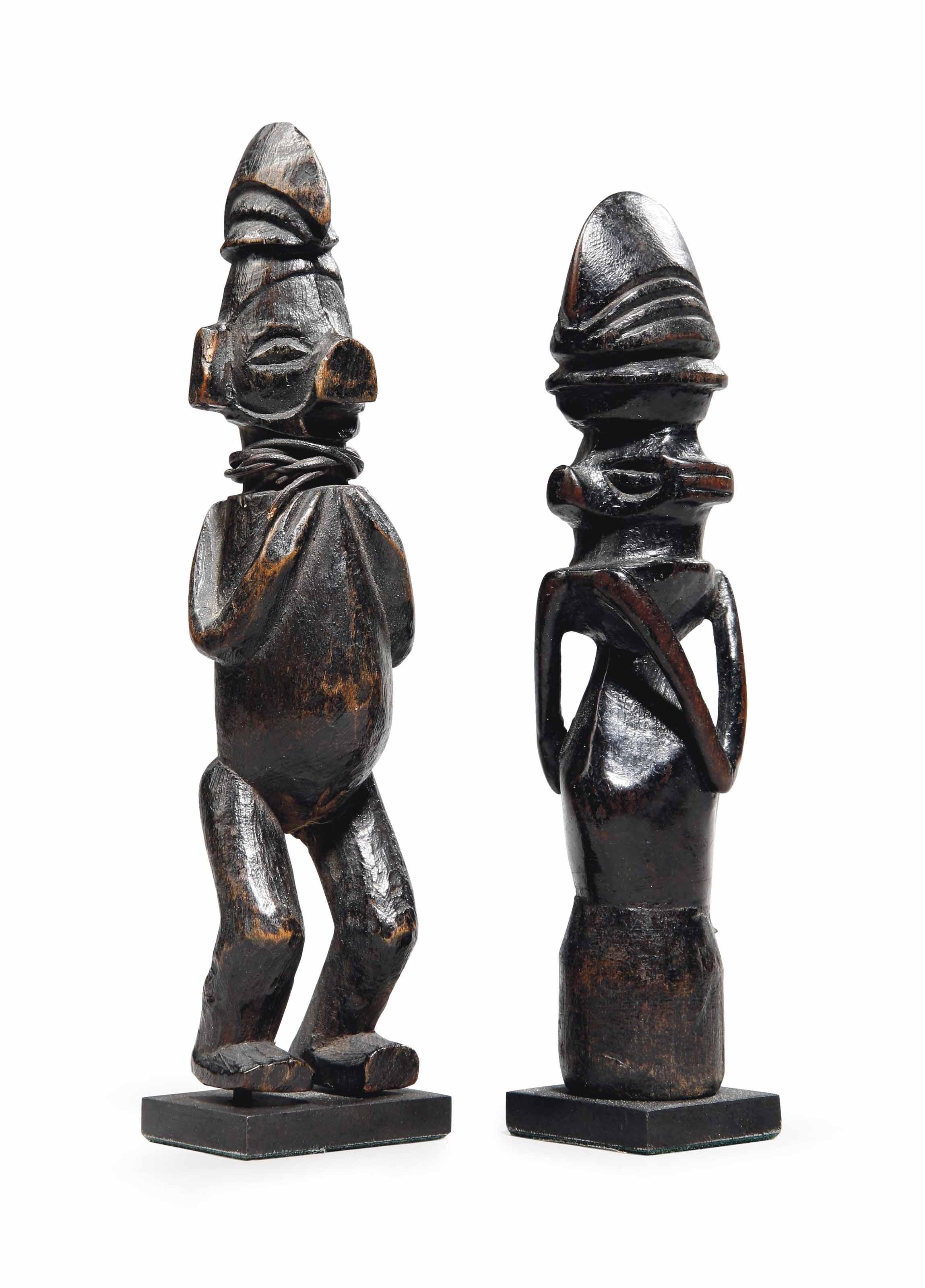 Deux statuettes Yaka Two Yaka