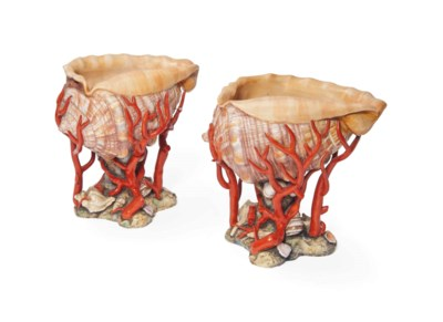 A PAIR OF DOCCIA SHELL VASES