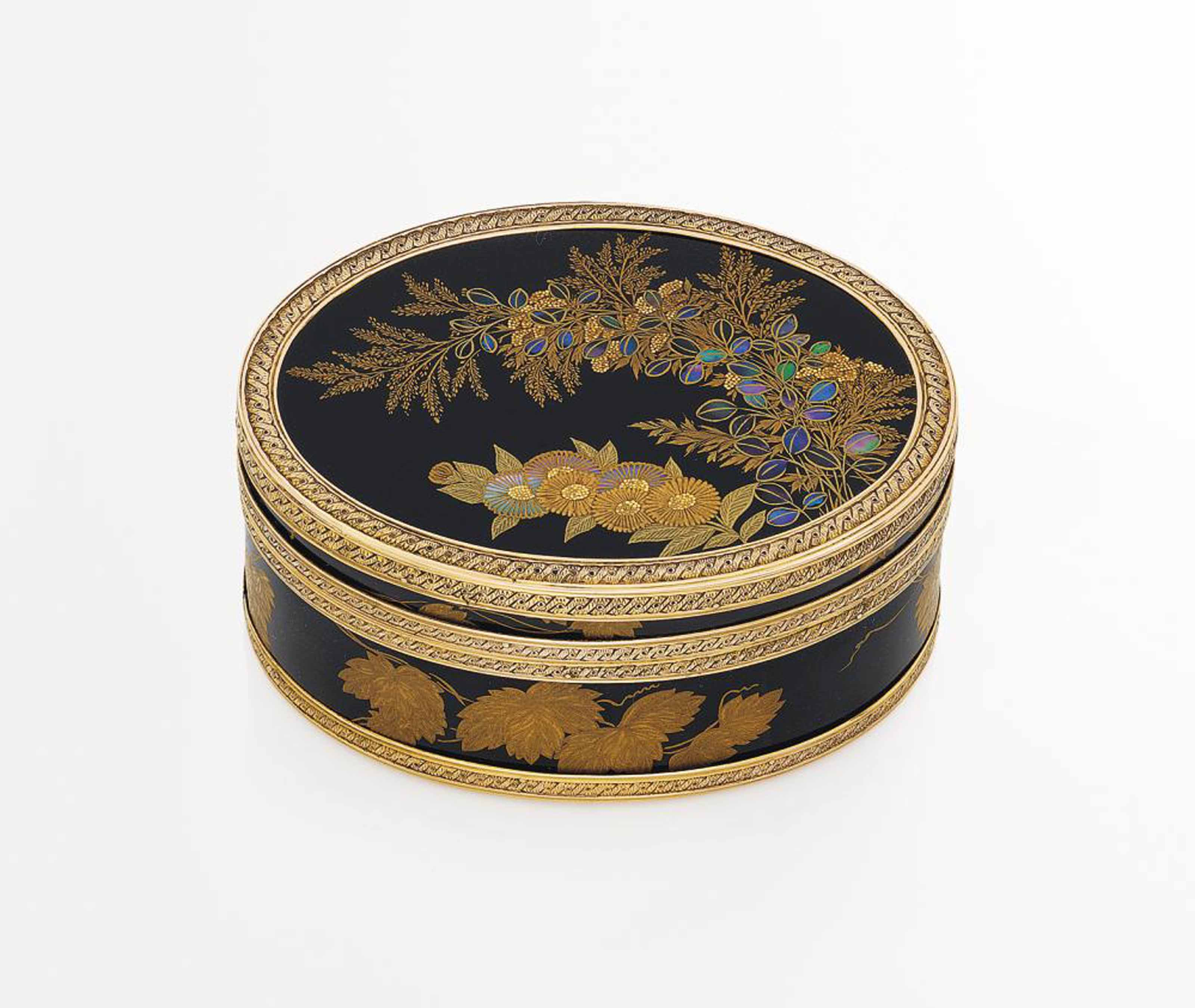 A LOUIS XV GOLD-MOUNTED LACQUER AND TORTOISESHELL SNUFF-BOX