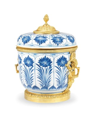 A REGENCE STYLE BLUE AND WHITE