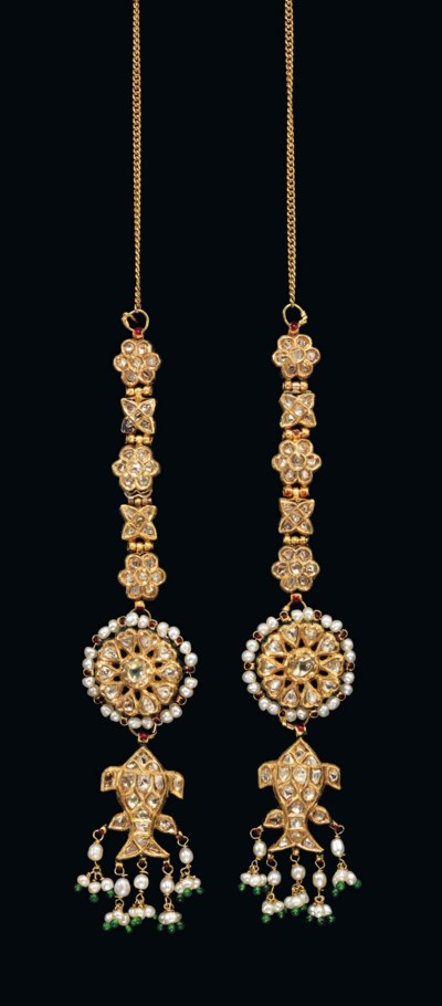 A PAIR OF ENAMELLED AND DIAMON