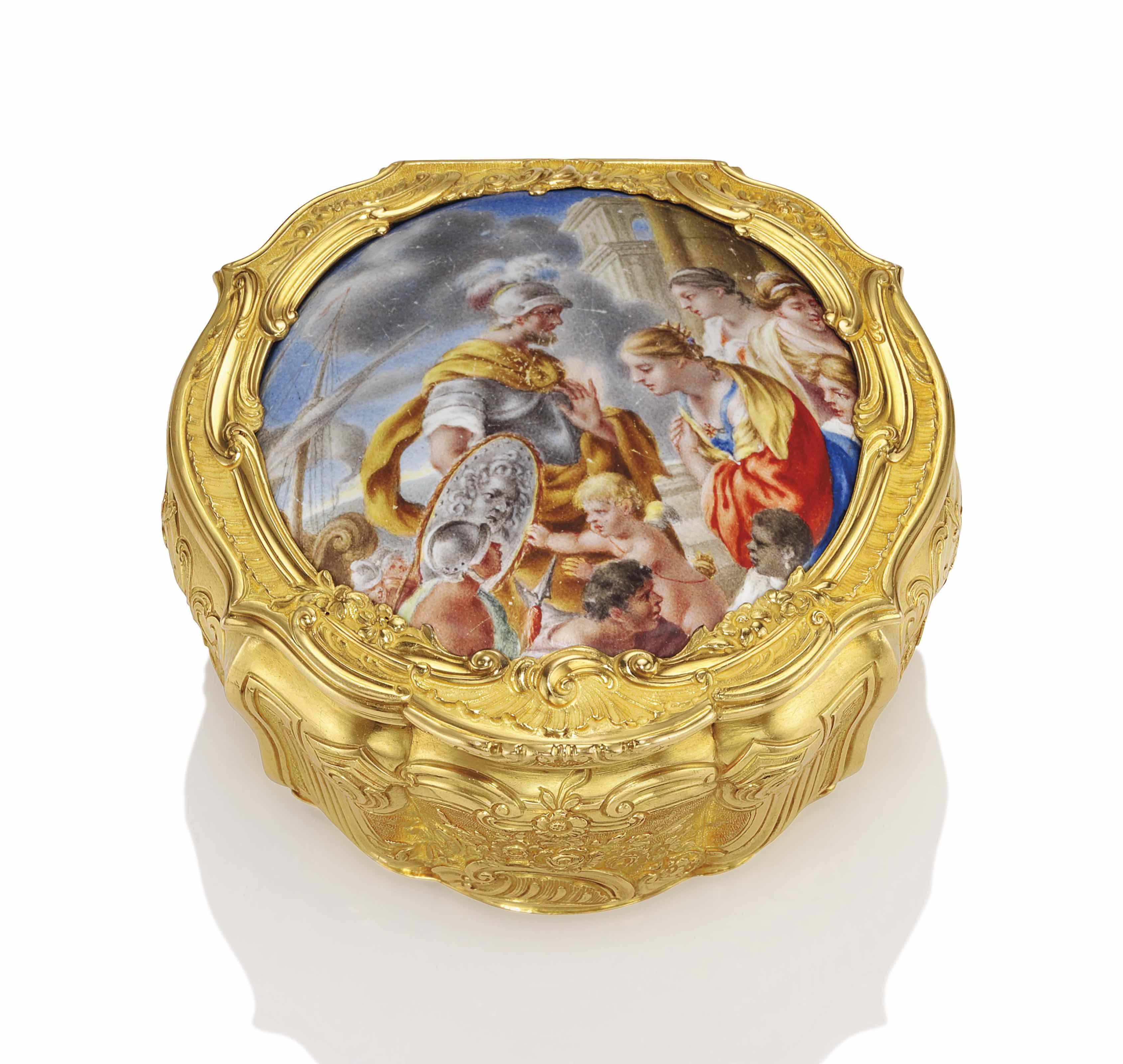 A GEORGE III GOLD SNUFF-BOX SE
