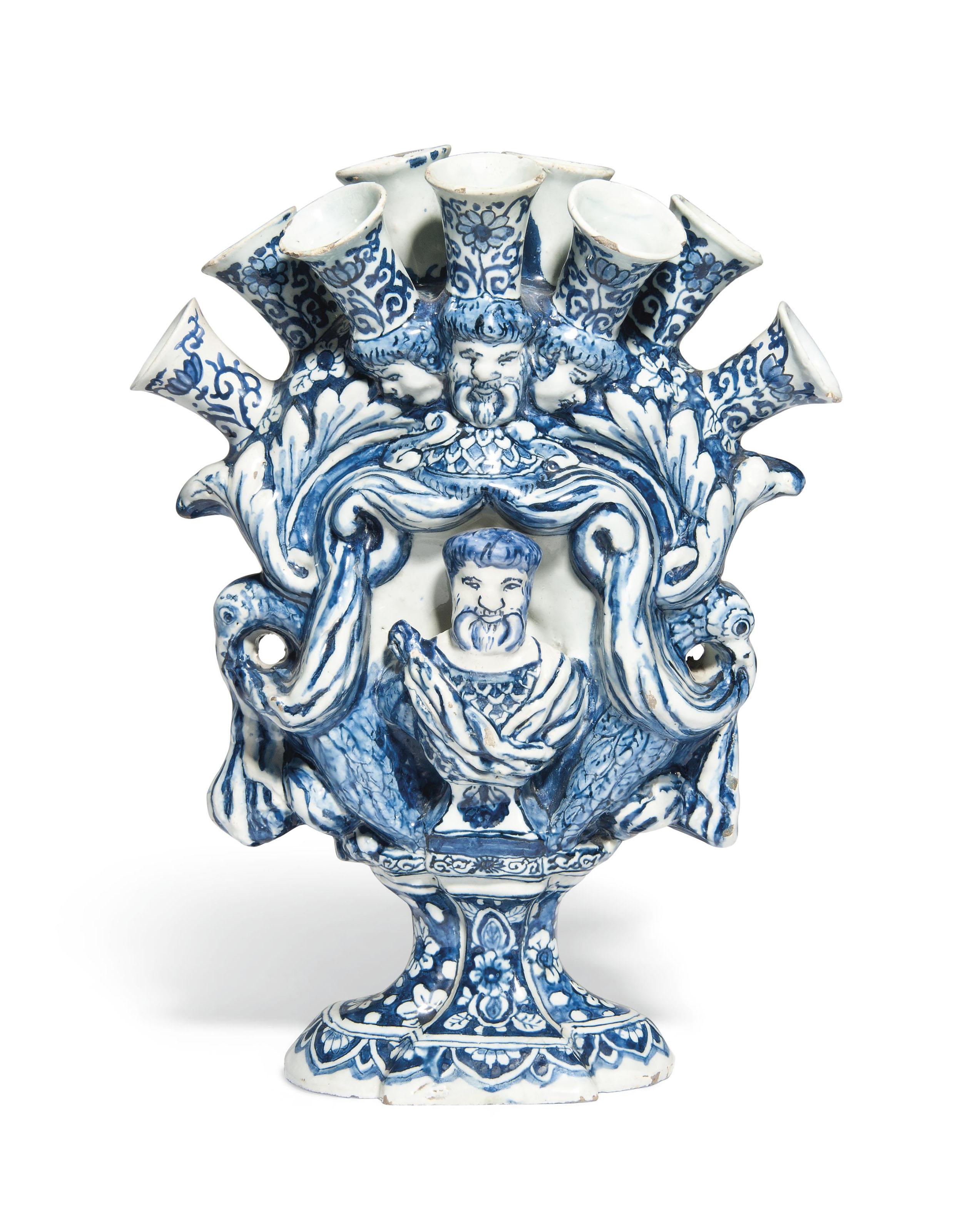A dutch delft de metaalen pot blue and white tulip vase circa a dutch delft de metaalen pot reviewsmspy