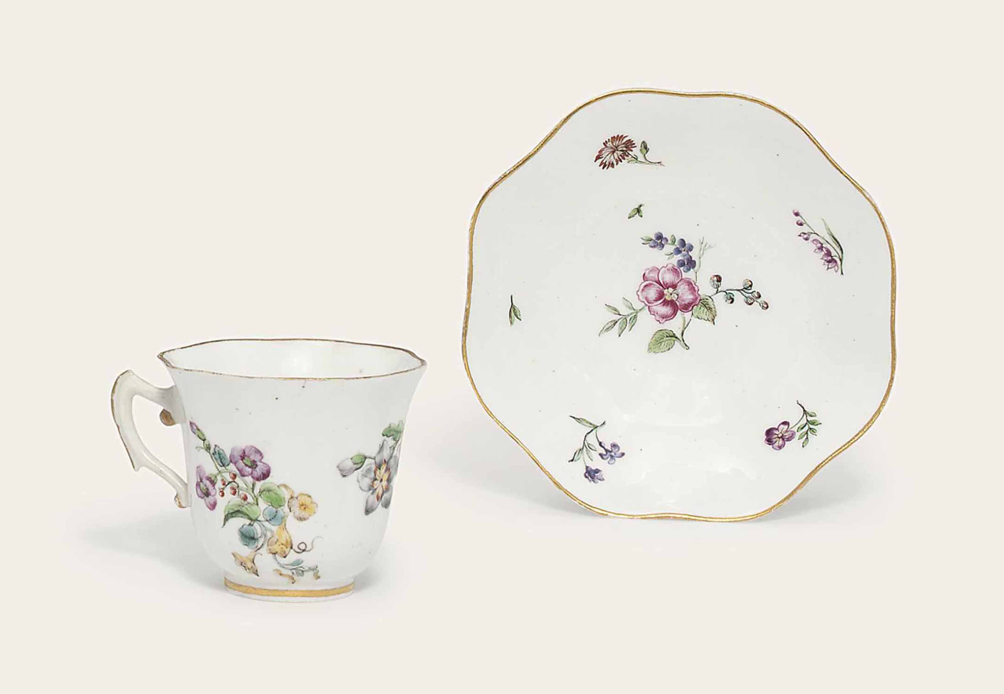 A VINCENNES CUP AND A SAUCER (