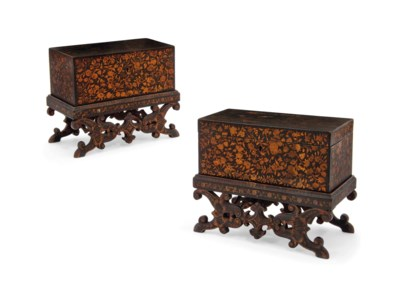 A PAIR OF REGENCY LACQUERED PE